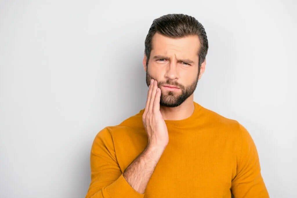 Symptoms of Impacted Wisdom Teeth
